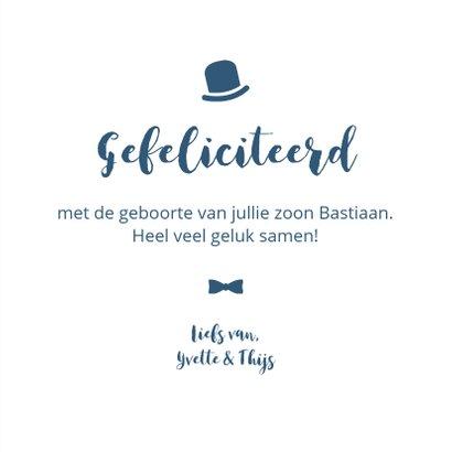 Typografisch met snor, hoed en strikje 3