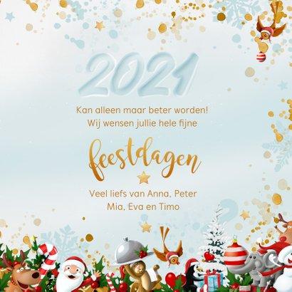 Uitbundige kerstkrans met 2021 in de sneeuw 3