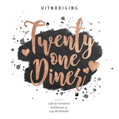 Uitnodiging 21 diner met zwarte verf en gouden typografie 2