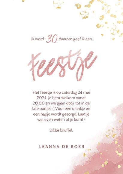 Uitnodiging 30 jaar roze waterverf gouden spetters feestje 3