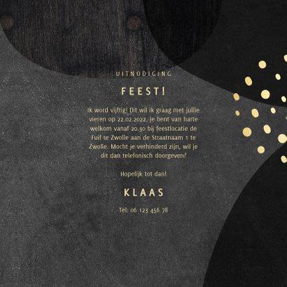 Uitnodiging 50 jaar goud met krijtbord en hout abstract 3