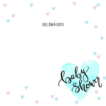 Uitnodiging babyshower hartjes en tekst blauw roze 3