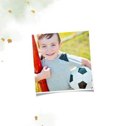Uitnodiging communie gouden voetbal met waterverf 2