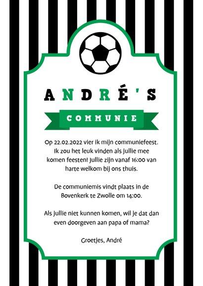 Uitnodiging communie voetbal strepen met badge 3