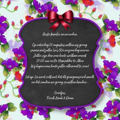 Uitnodiging feest bloemen en krijtbord 3