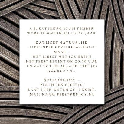 Uitnodiging feest foto op hout stoer 3