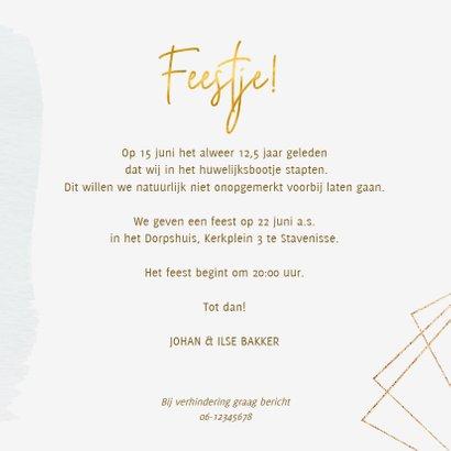 Uitnodiging jubileum trouwdag met rozen en goud 3