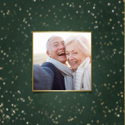 Uitnodiging kerstborrel met sterren en gouden tekst 2