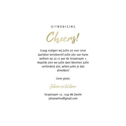 Uitnodiging kerstborrel proostende glazen met gouden cheers 3