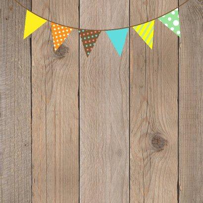 Uitnodiging kinderfeestje jongen slinger houtprint 2