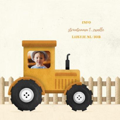 Uitnodiging kinderfeestje tractor met foto en hekje 2