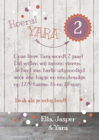 Uitnodiging kinderverjaardag roze foto, slinger en confetti 3