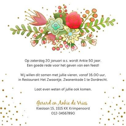 Uitnodiging met grafische bloemen en gouden accenten 3