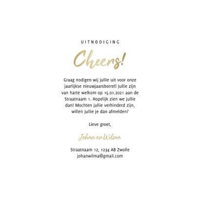 Uitnodiging nieuwjaarsborrel cheers met proostende glazen 3