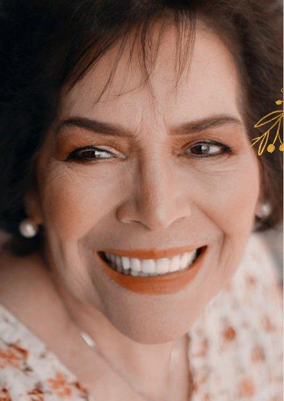 Uitnodiging pensioenfeest vrouw met goudlook takjes en foto 2
