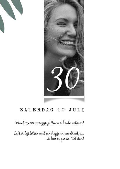Uitnodiging tuinfeest, 30ste verjaardag, bladeren 3