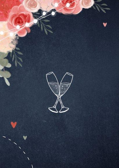 Uitnodiging tuinfeest bloemen lampjes krijtbord 2
