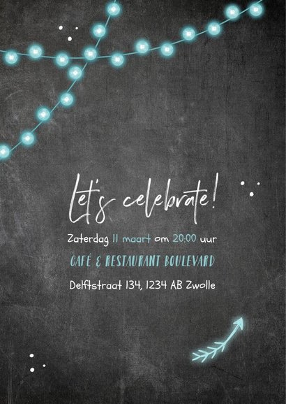 Uitnodiging verjaardag krijtbord lampjes en pijlen 2