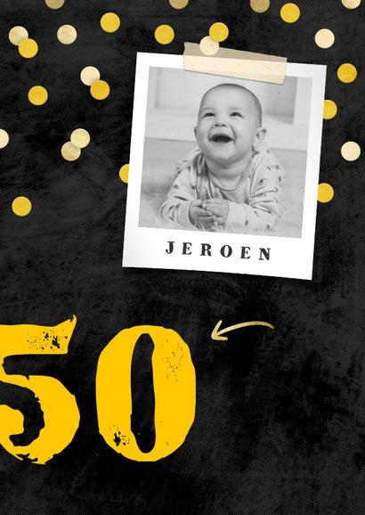 Uitnodiging verjaardag krijtbord met confetti aanpasbaar 2