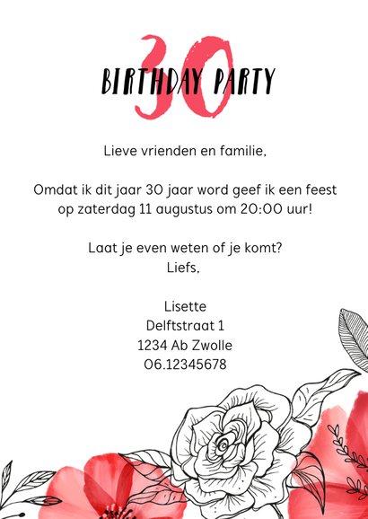 Uitnodiging verjaardag vrouw hip met rode bloemen en foto 3