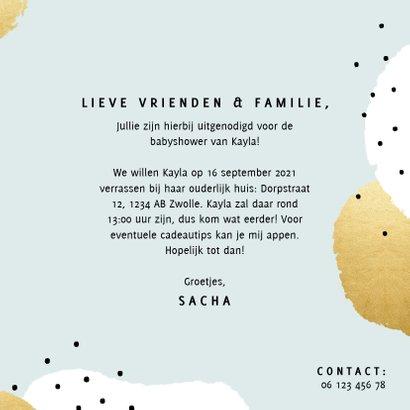 Uitnodiging voor een babyshower met gouden en witte stipjes 3