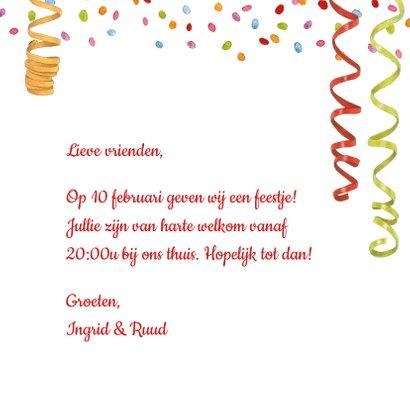 Uitnodigingskaart met feestelijke katten en confetti 3