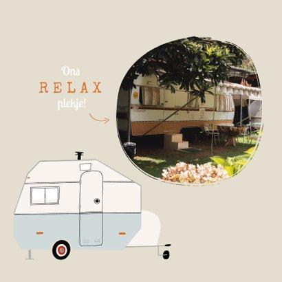 Vakantiekaart happy camper caravan illustratie zon groetjes 2