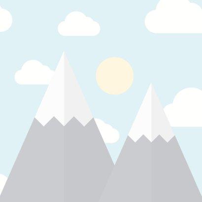 Vakantiekaart 'veel plezier op kamp' met bergen en wolkjes 2