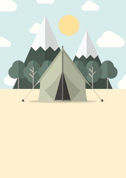 Vakantiekaart 'Veel plezier op kamp' met bos en tent 2