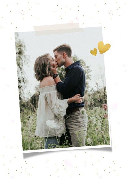 Valentijnskaart fotocollage met 3 foto's en confetti 2