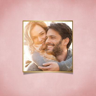 Valentijnskaart hartvormig vlammetje en roze achtergrond 2