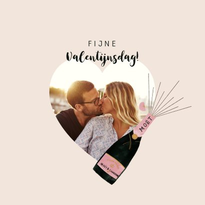 Valentijnskaart met champagne illustratie en leuke quote 2
