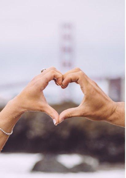 Valentijnskaart met grote foto en tekst ik vind je lief 2