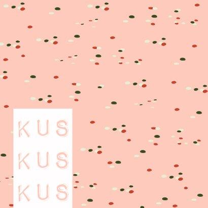 Verjaardagskaart 3x een kus, confetti en happy bday op roze 2