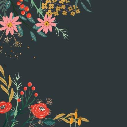 Verjaardagskaart bloemen met donkere achtergrond 2