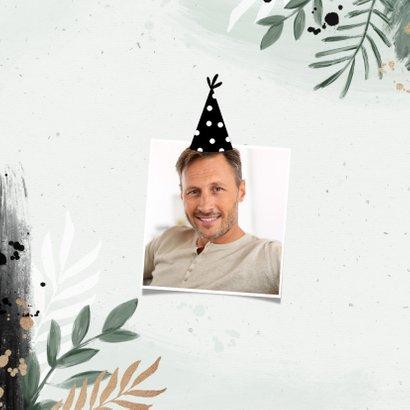 Verjaardagskaart botanisch spetters zwart groen feesthoed 2