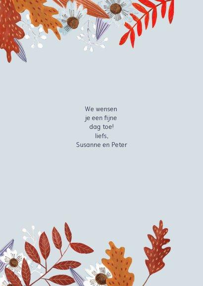 Verjaardagskaart herfstbladeren meisje 3