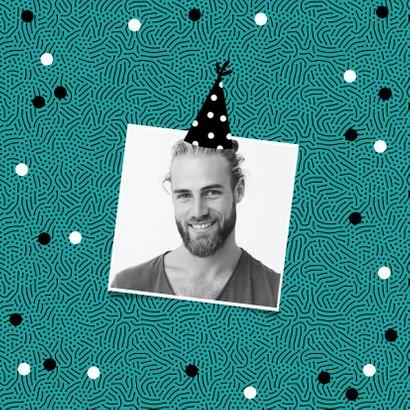 Verjaardagskaart hip patroon confetti feestmuts foto 2