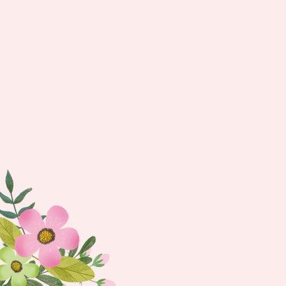 Verjaardagskaart in groen en roze met mooie bloemen 2