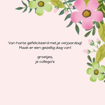 Verjaardagskaart in groen en roze met mooie bloemen 3