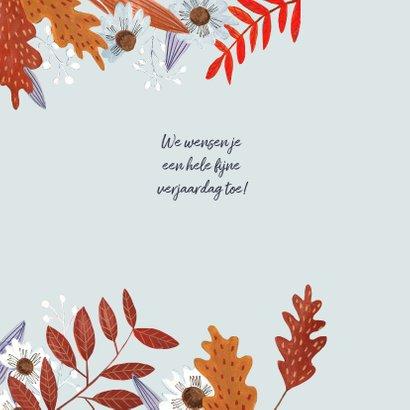 Verjaardagskaart meisje herfstbladeren 3