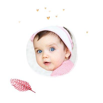 Verjaardagskaart meisje roze veertjes gouden hartjes en foto 2