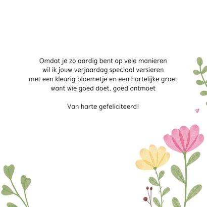 Verjaardagskaart met bloemen en hartjes 3