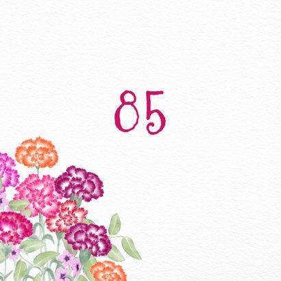 Verjaardagskaart met gekleurde anjers 2
