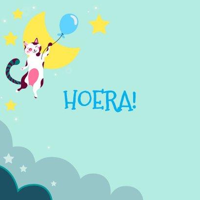Verjaardagskaart  met kat met blauwe ballon in de wolken 2