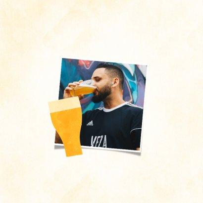 Verjaardagskaart met naam en patroon van biertjes 2