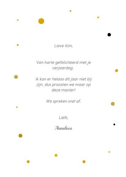 Verjaardagskaart met proost! tekst en twee champagneglazen 3