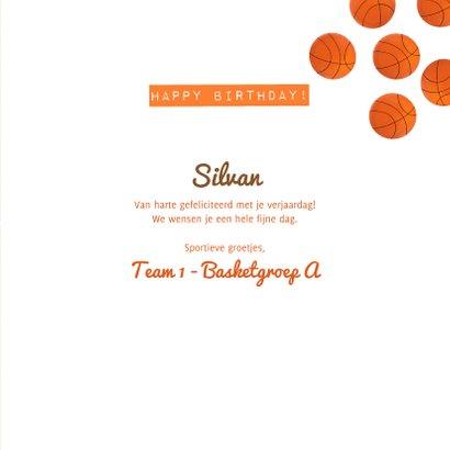 Verjaardagskaart oranje basketbalveld aan te passen leeftijd 3