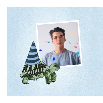 Verjaardagskaart schrikkeljaar met schildpad en hoedje 2