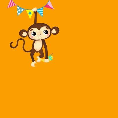 Verjaardagskaart vrolijk aapje met banaan en slingers 2